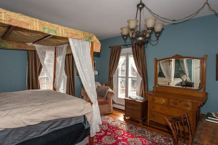 The Suminski Innski, Room 3  - Bed & Breakfast