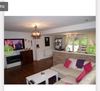 Double room - Buckhurst Hill - 独立屋
