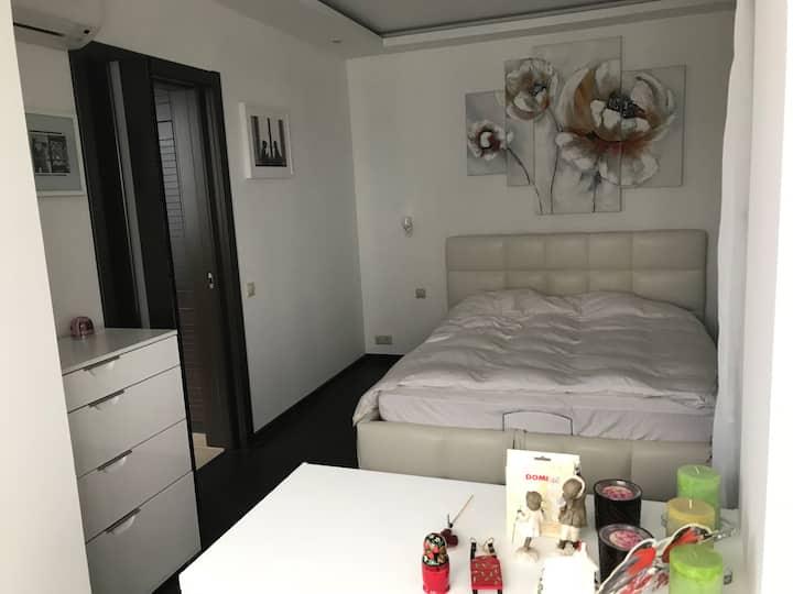Отдельная уютная комната в двухкомнатной квартире