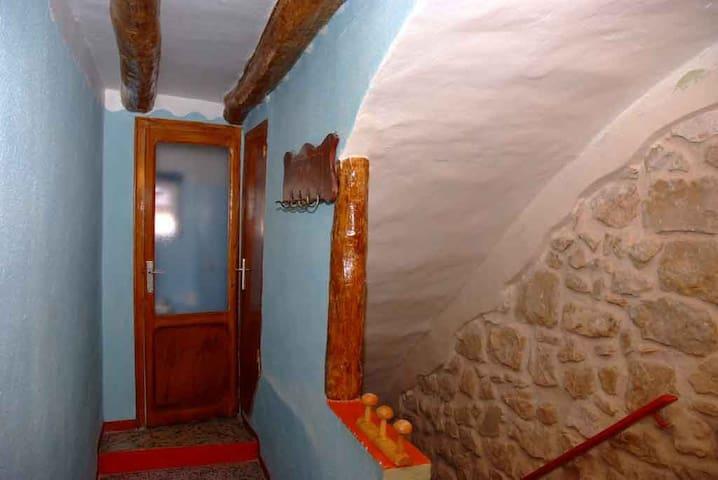 Lo Castell - Horta de Sant Joan - Rumah