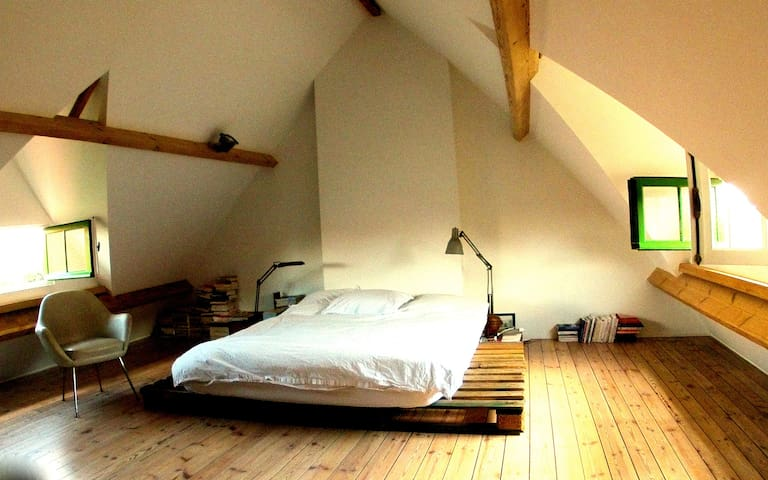 Maison 120m2 : 2 chambres +Jardin - Brussels - House