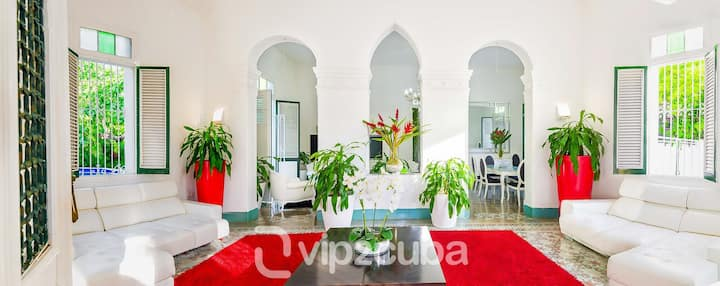VIP Luxury ❤️Colonial Beauty in Vedado