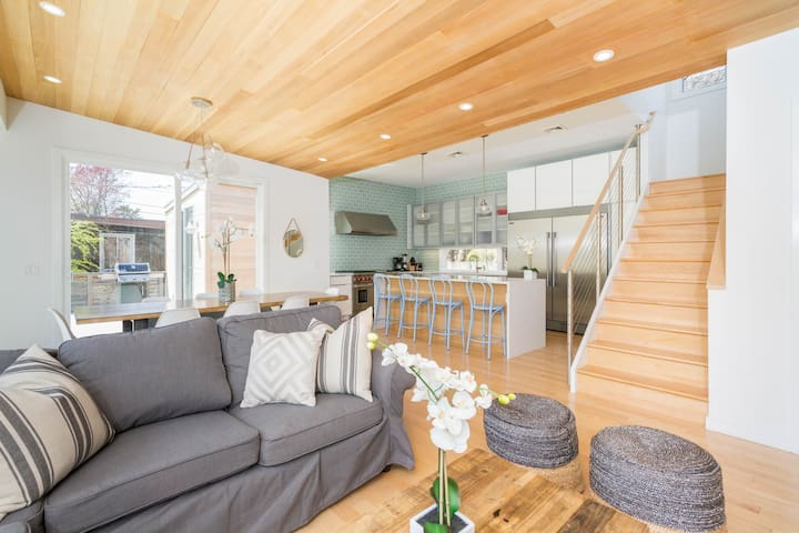 Centrally located home w/ gourmet kitchen, & spacious deck