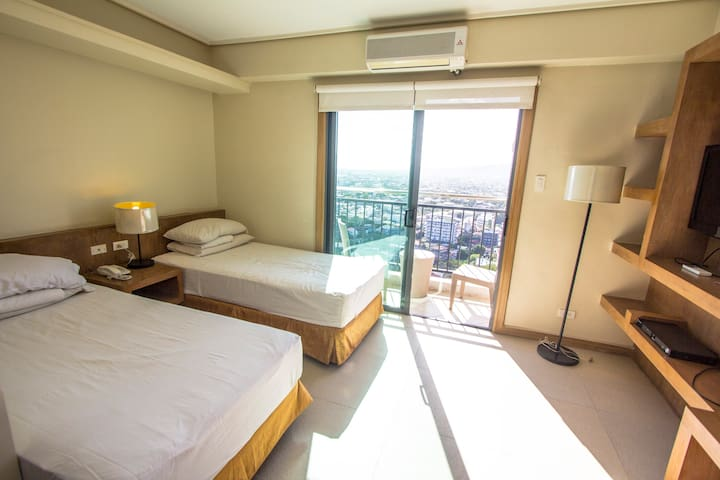 Bright and Airy Studio @ City Suites Ramos Tower