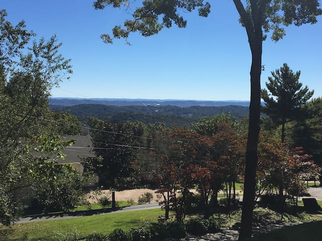 Signal Mountain Villa – Mountain View 15 min away