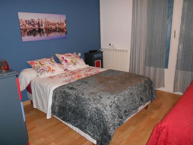 Chambre 2 personnes dans le Quercy - Monteils - Casa