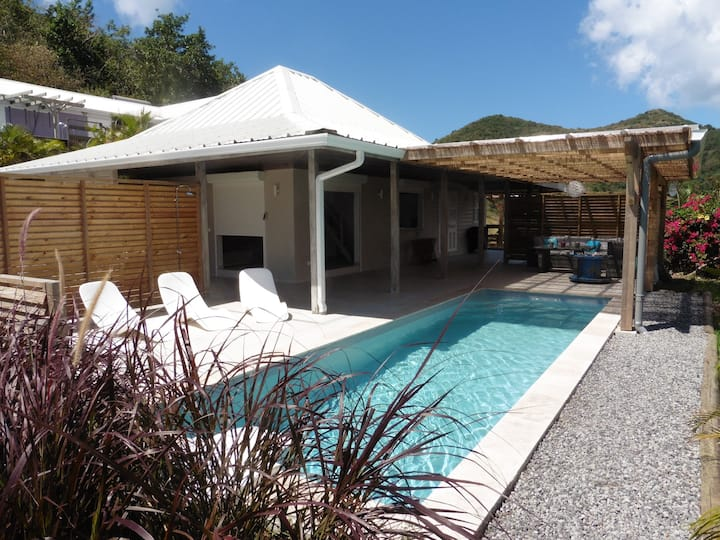 Bwa d'Ô villa, between the sea and mountains...