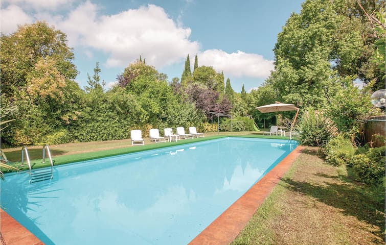 Holiday cottage with 5 bedrooms on 300m² in Pisa -PI-