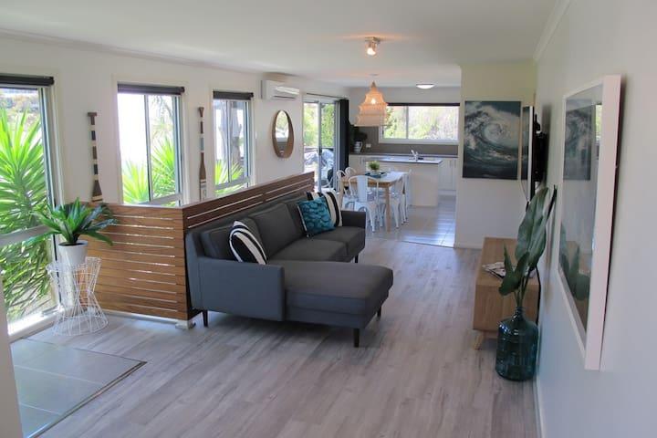 Lake House - Lake Tyers Beach - House