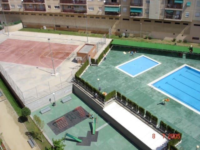 Barcelona Sabadell full apartment rental with pool