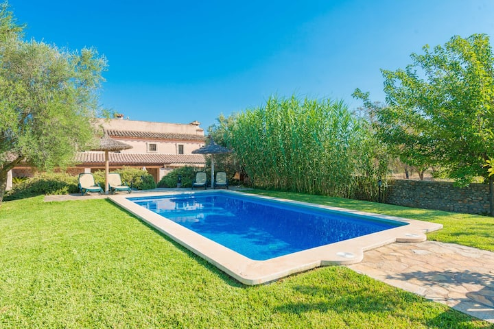 SES PLANES - Ancient 16th century oil mill with a private pool and in a quiet area. Free WiFi