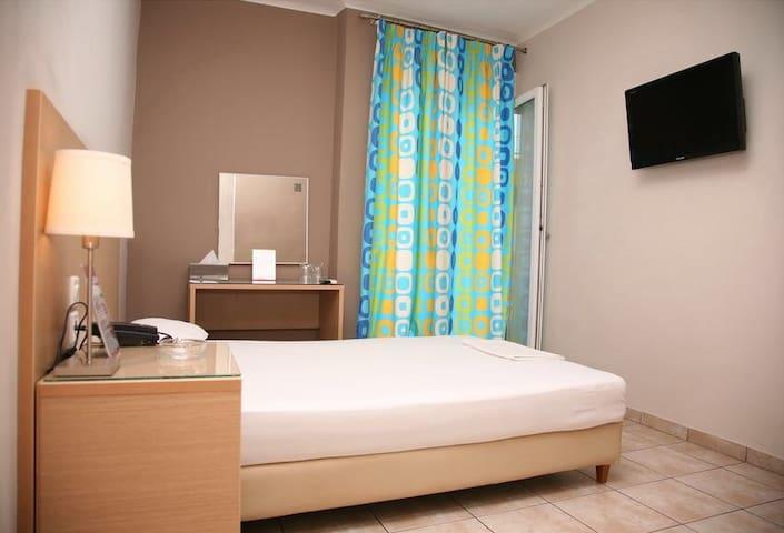 Hotel Kentrikon twin - Chalkida - Bed & Breakfast