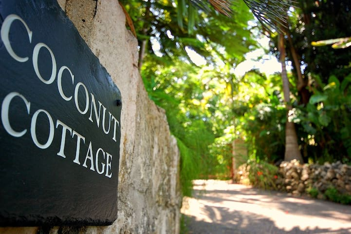 Coconut Cottage | 5 Bedrooms - Montego Bay - Huis