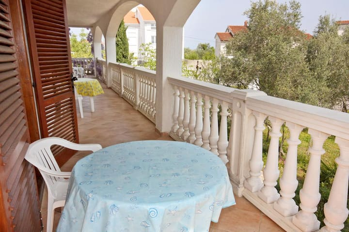 One bedroom apartment with terrace and sea view Porat, Krk (A-5322-c)