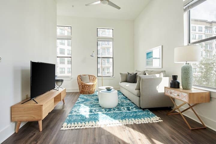 Sonder *Monthly Discounts* 1BR at Steelhouse