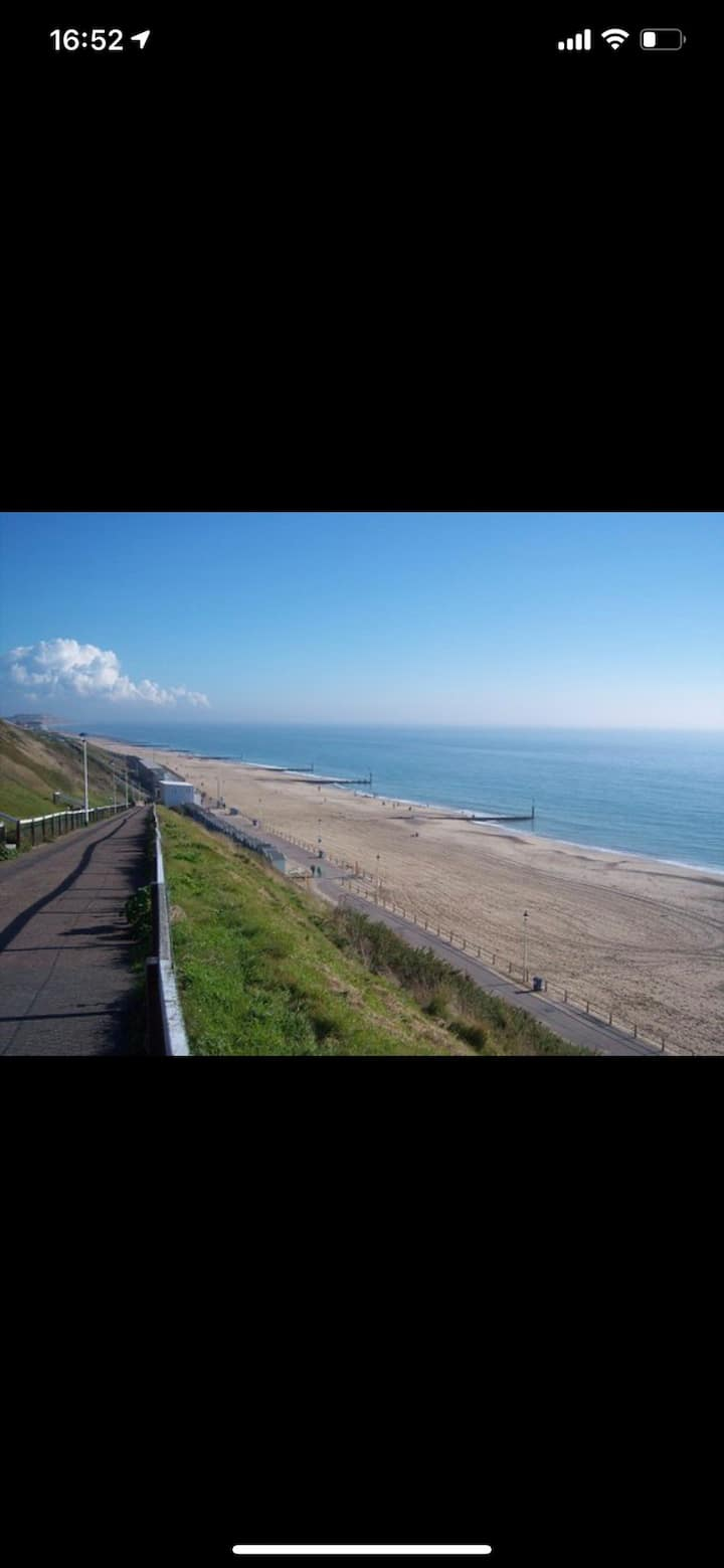 1 BED FLAT VERY CLOSE TO BEACH !!!