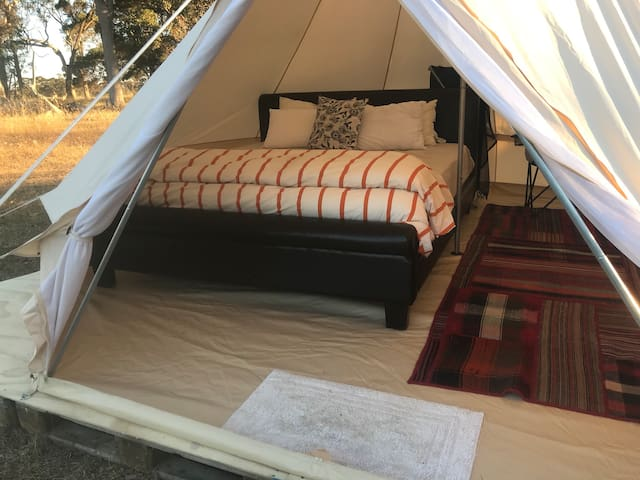 Secluded Bell tent for 2, off grid, comfy king bed