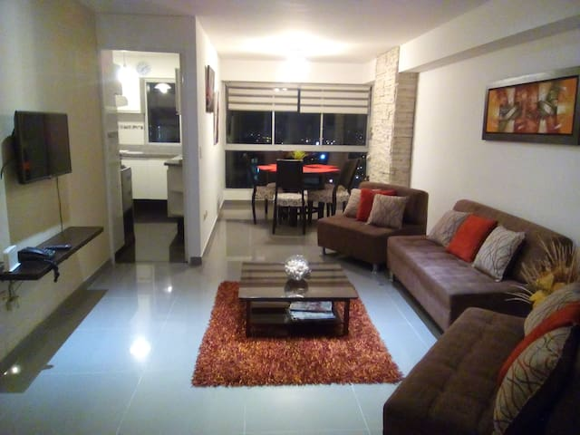 Renting SPACIOUS PENTHOUSE with ocean/city views. - Lima - Apto. en complejo residencial