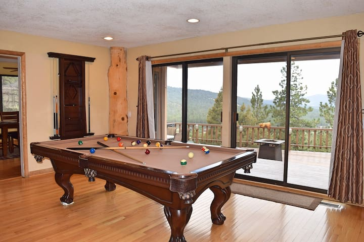 Out of Dodge Lodge: Amazing Lake! Pool Table! Spa! - Big Bear - House