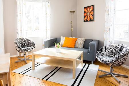 Öland, Ljus och rymlig lägenhet med egen terrass.