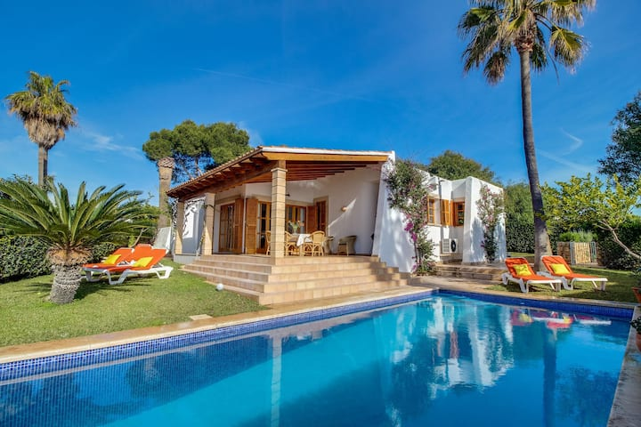 Cozy Cottage in Porto Cristo Novo with Swimming Pool