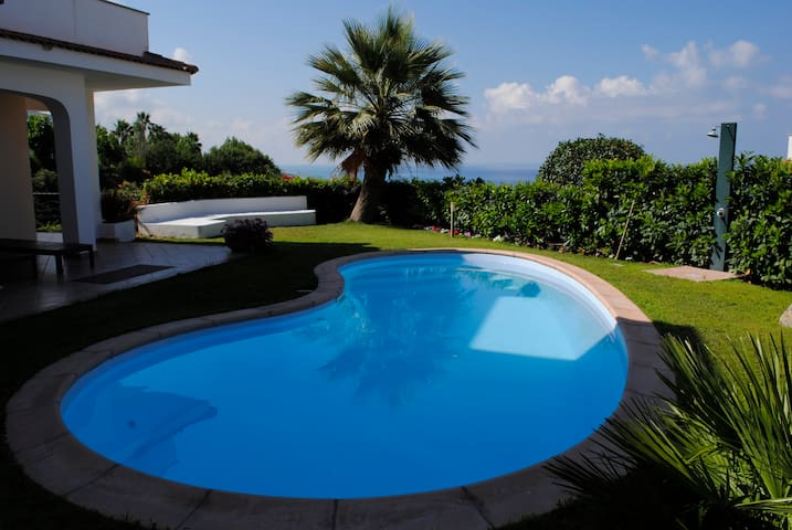 villa with private pool near beach - Diamante - Villa