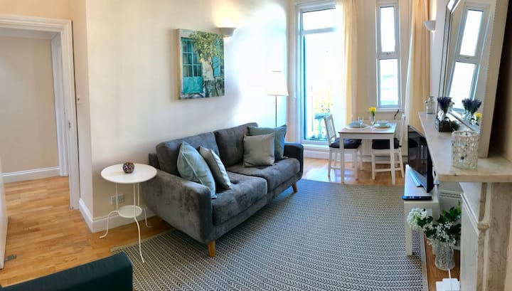 Cosy 3Beds Central London Flat 3 min walk Station