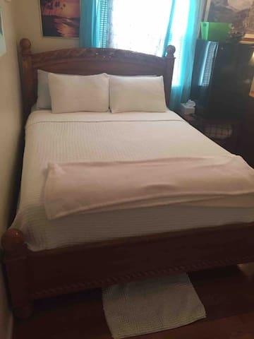 Bed queen size !