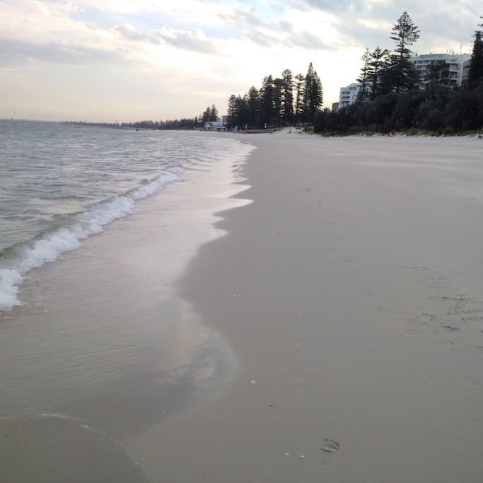 Nearby beach at botany bay (20 minutes jog away or 5 minutes by bus from Rockdale to Brighton Le Sand beach)