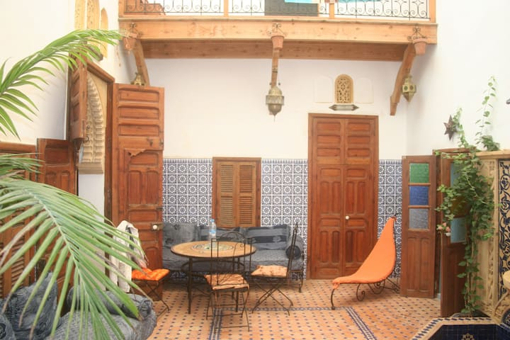 Riad between see and medina - Sale - Huis