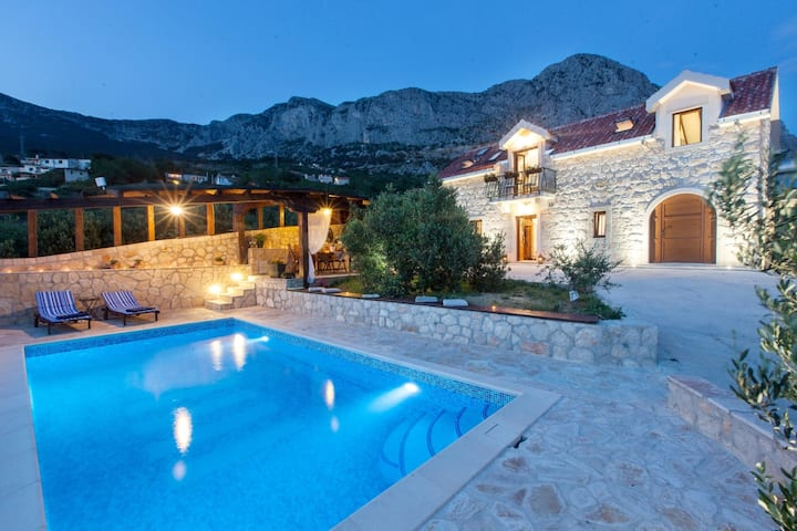 Amazing & secluded Villa Oliva, Makarska Riviera!