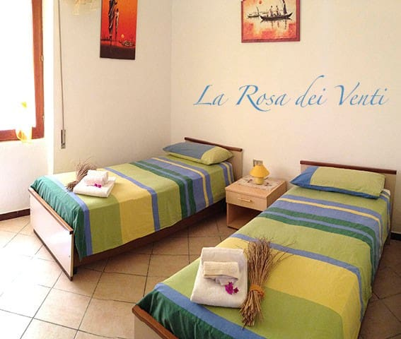 B&B La rosa dei Venti - La Caletta - Bed & Breakfast