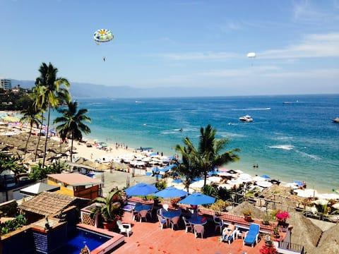 El Dorado 402 Fantastic Beachfront