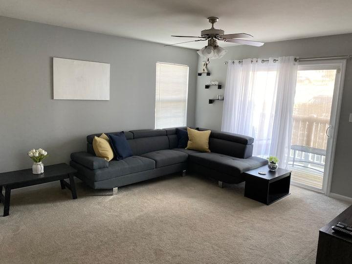 Short or long term cozy condo stay