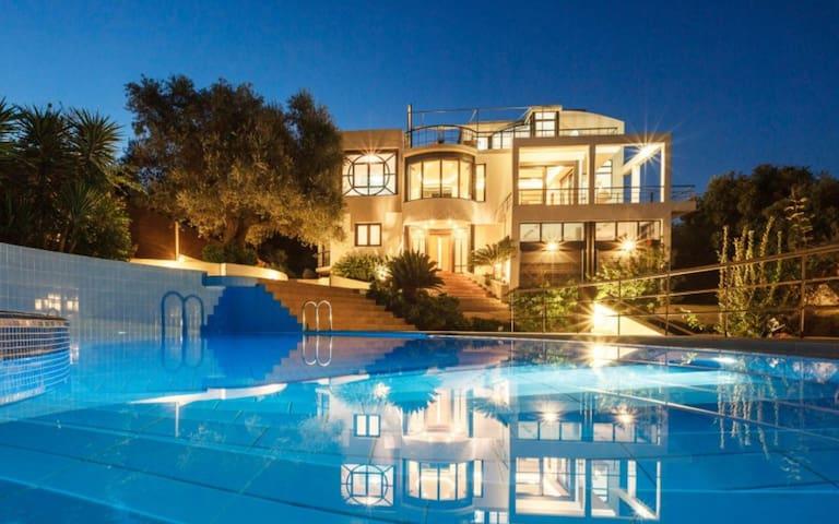 Villa de Lujo 10 Personas con Piscina