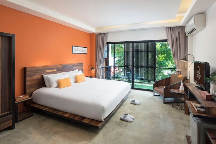 A Boutique Stay next to Amphawa Floating Market