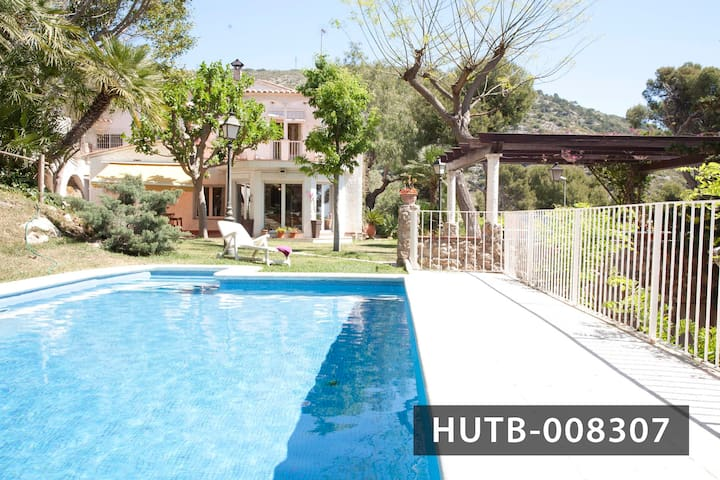 Country house with pool in Garraf - Garraf - Huvila