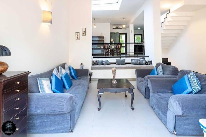 Spectacular 3 bhk Celebrity Villa in Candolim
