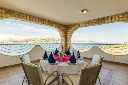 Aparthotel with Pool on seaside - Pag - Bed & Breakfast