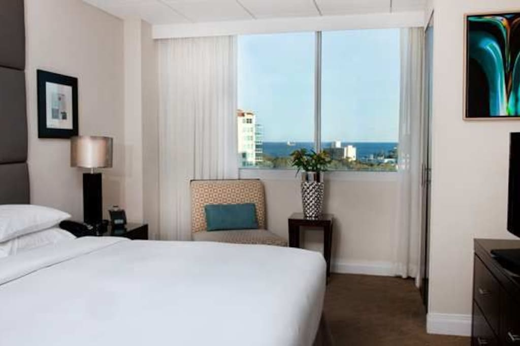 1 Bed 1 Bath Suite Suites In Hilton Gallaryone Apartments For Rent In Fort Lauderdale
