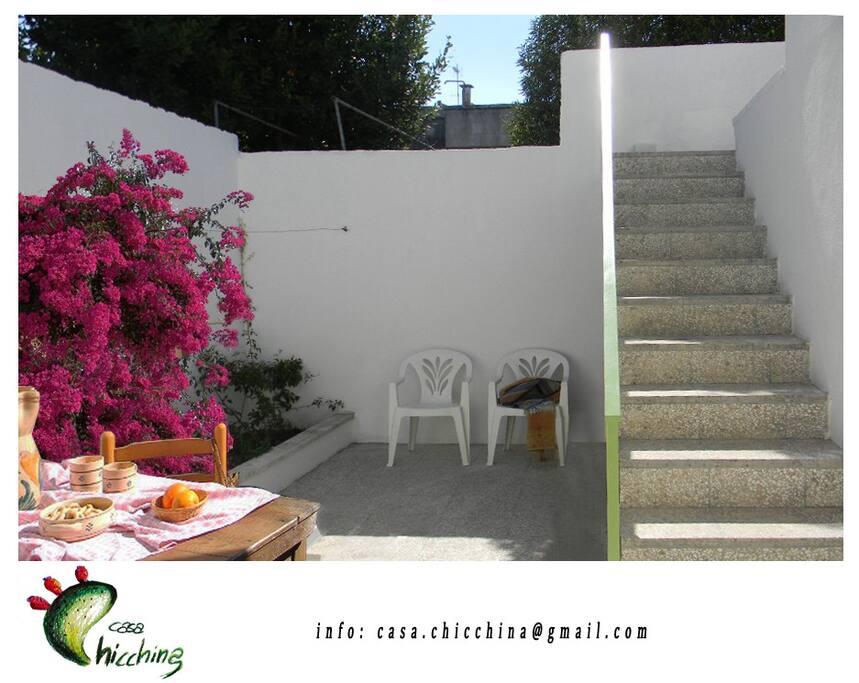 resede esterno con accesso alla terrazza, ideale per le vostre colazioni o cene in estremo relax