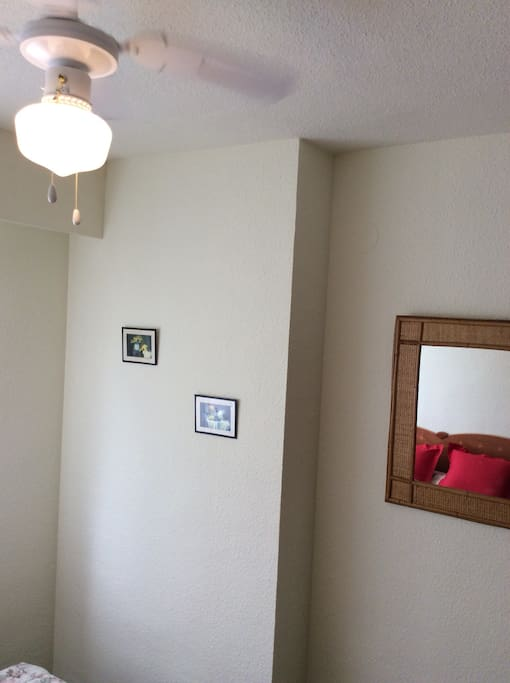 Ceiling fan, lots of closet space, comfortable bright room, Queen size bed