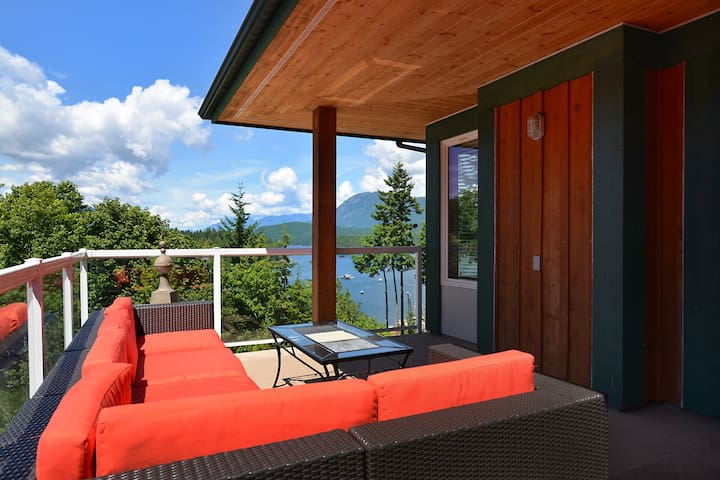 Luxury on Inlet Water View - Sechelt - Talo