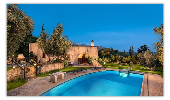Traditional Stone Pool Villa With Wonderful Garden