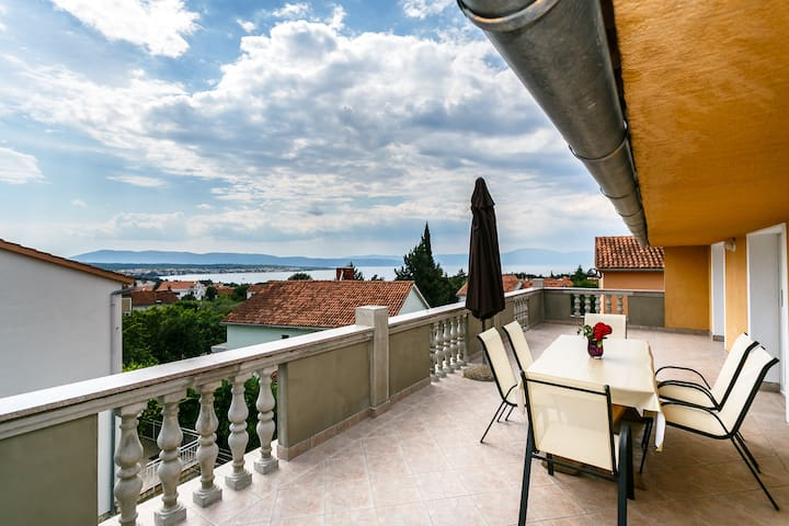 Modern 2bedroom app with sea view - Malinska - Apartment