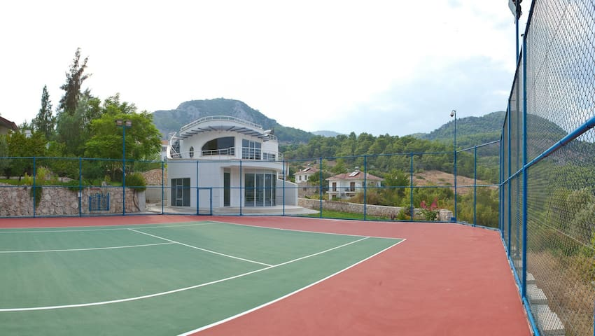 Racket House for tennis lovers - Kumluca - Huis