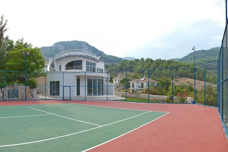 Racket House for tennis lovers - Kumluca