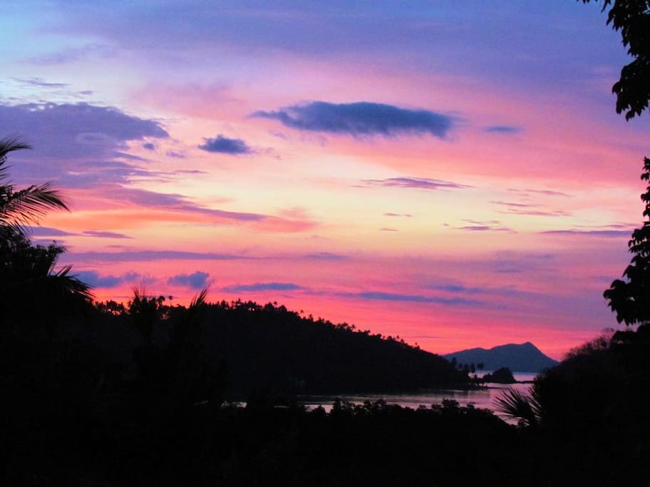 Just another beautiful tropical jungle ocean sunset