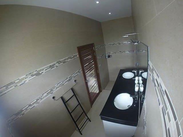 chambre privée lit king size  Villa lina - Ko Samui - Casa de camp