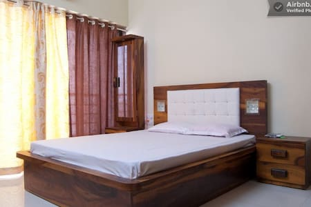 Luxury B&B in Goregaon East